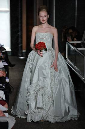 Dubai's First Bridal Trunk Show: Carolina Herrera at Frost Dubai