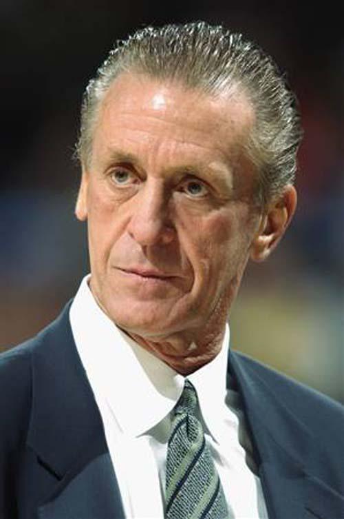 12b210ad5c5 Riley šventė savo paskutinę pergalę 2006 m. treniruodamas Miami Heat. --  Apie jį plačiau  http   lt.wikipedia.org wiki Pat Riley ...