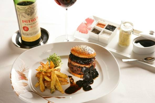 Haute Dining: The Most Expensive Burger in Las Vegas
