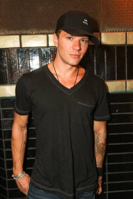 Haute Event: Ryan Phillippe Celebrates Girlfriend Alexis Knapp's Birthday at Lavo