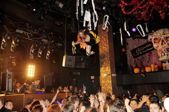 Haute Event: Ryan Kwanten from True Blood Helps Tao Celebrate Veuve Clicquot's Yelloween