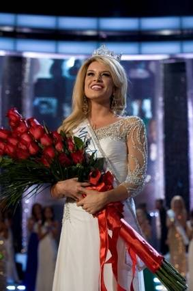 Haute Event: Miss Nebraska Teresa Scanlan Crowned Miss America