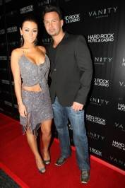 "Jenni ""JWoww"" Farley and her boyfriend Roger Matthews on the red carpet at Vanity."