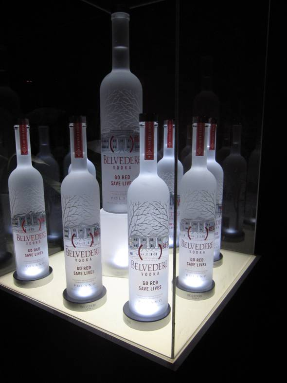 (BELVEDERE)RED Special Edition Bottle