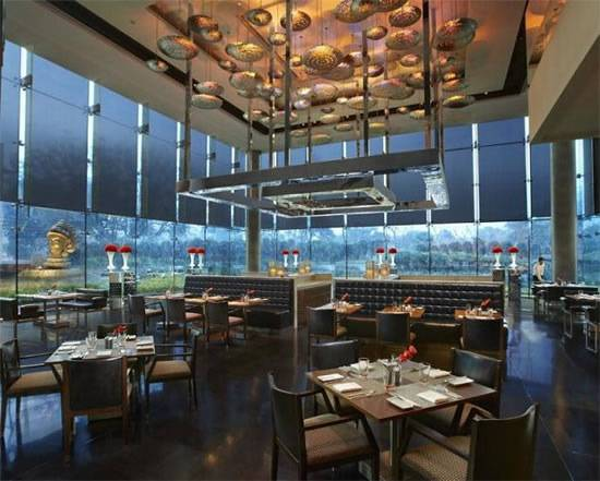 World's Most Expensive Pizza Found at New Delhi's Luxurious Qube Restaurant