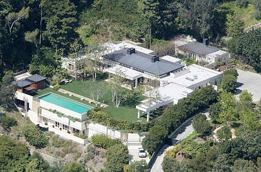 Celebrity Living: Ellen Degeneres and Portia de Rossi $60 Million L.A. Compound Up for Grabs