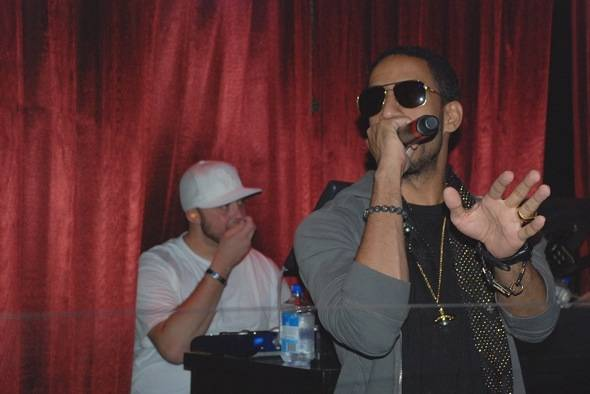 Haute Event: Ryan Leslie Performs at LAX Nightclub