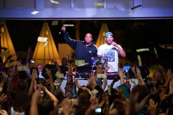Haute Event: Rev Run and Mel Debarge Perform a Deejay Set at Club Nikki