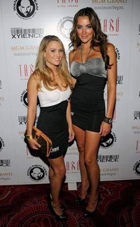 Xience spokesmodels Amanda Corey and Amber Nichole on the red carpet at Tabu Ultra Lounge.