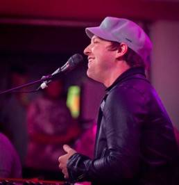 "Gavin DeGraw performs his hit song ""Chariot"" for loyal fans at Hard Rock Hotel."