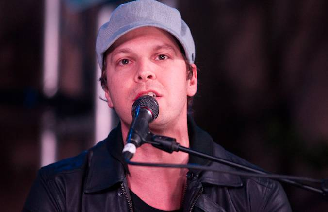Haute Event: Gavin DeGraw Performs Poolside at the Hard Rock Hotel