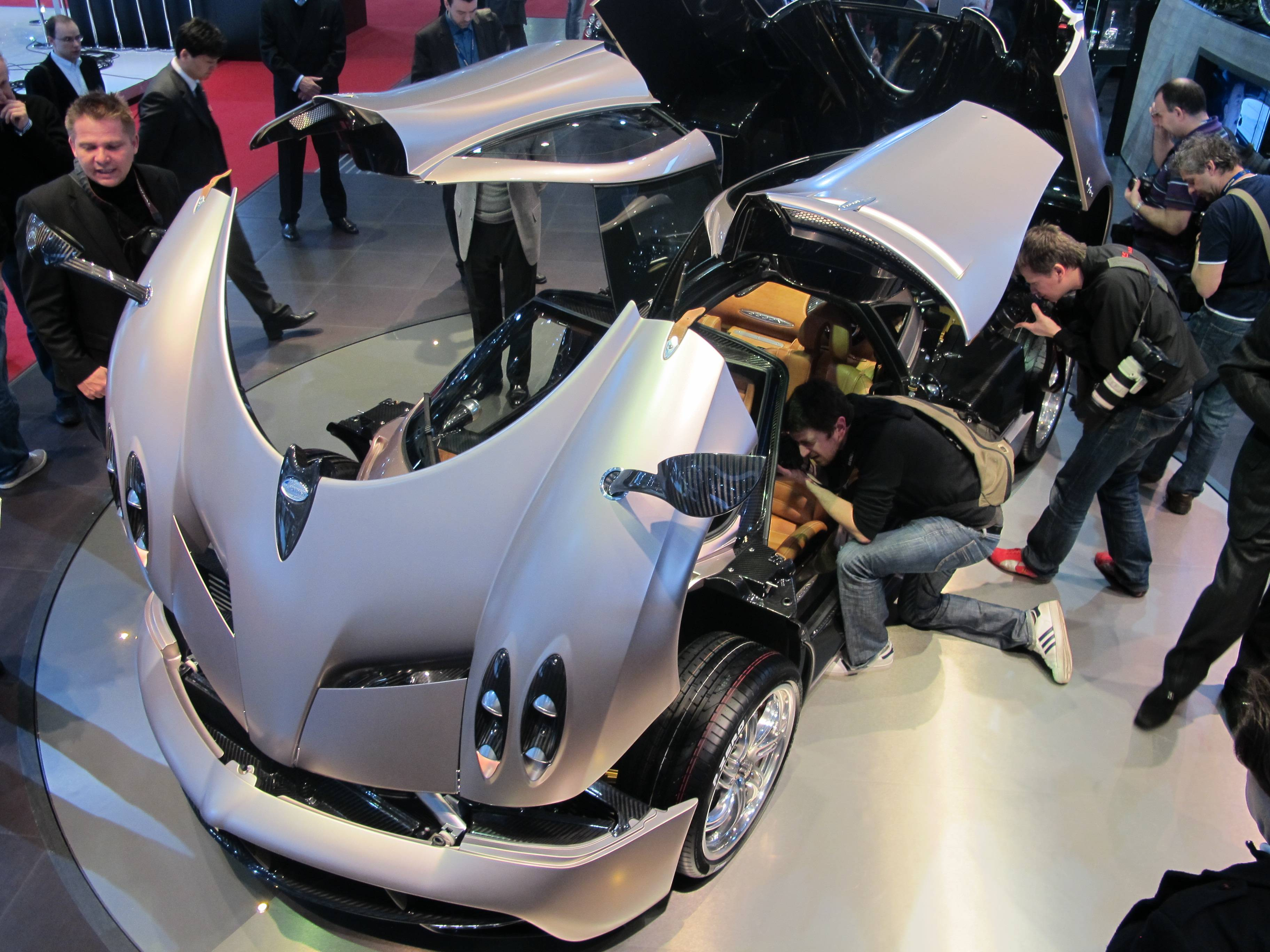 Geneva Motor Show - Pagani Love. If it sounds Italian, it is Italian