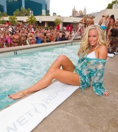 Kendra Wilkinson-Baskett hosts at Wet Republic.