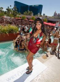 Nicole 'Snooki' Polizzi hosts at Wet Republic.