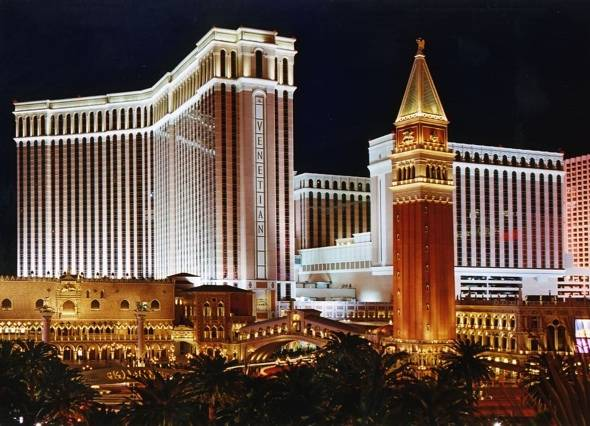 Go on a Scavenger Hunt with the Palazzo and Venetian to Celebrate Their AAA Five Diamond Awards
