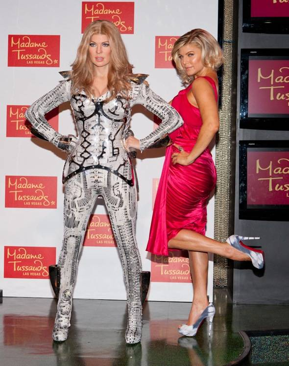 Haute Event: Fergie Checks Out Her Wax Look-Alike at Madame Tussauds