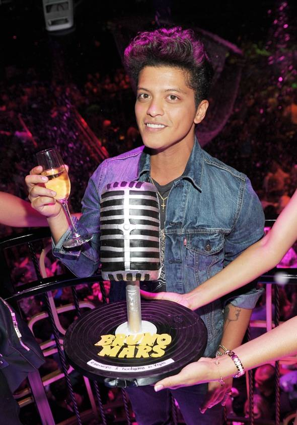 Haute Event: Bruno Mars Puts on a Special Performance at The Bank