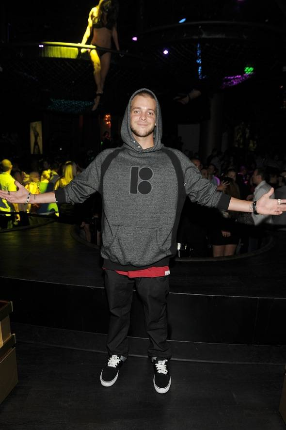 Ryan Sheckler parties the night away at Gallery Nightclub.
