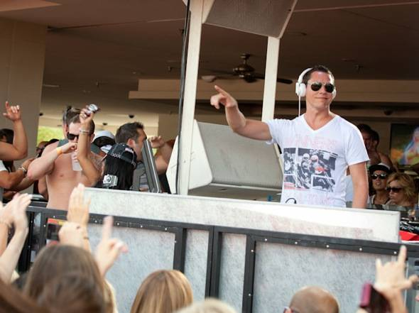 Tiesto_LDW_WET REPUBLIC_9.3.11