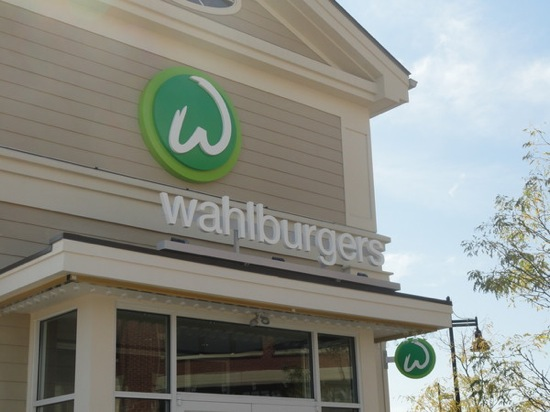Haute 100 Update: Wahlberg Brothers to Debut 'Wahlburgers' Restaurant with Grand Opening Celebration