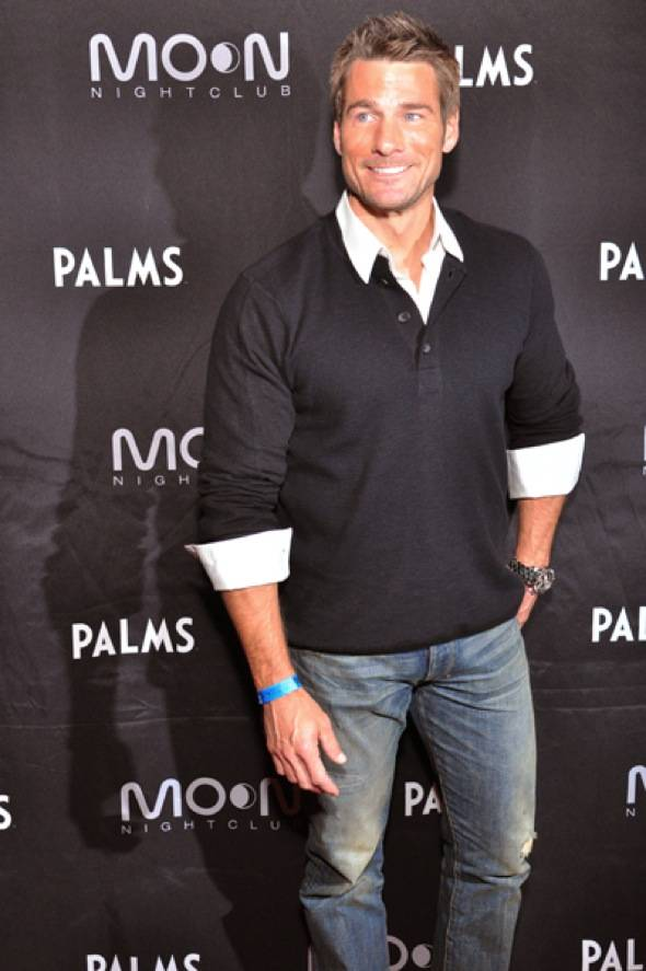 Haute Event: Joe Manganiello Hosts Howl-O-Ween at Moon Nightclub