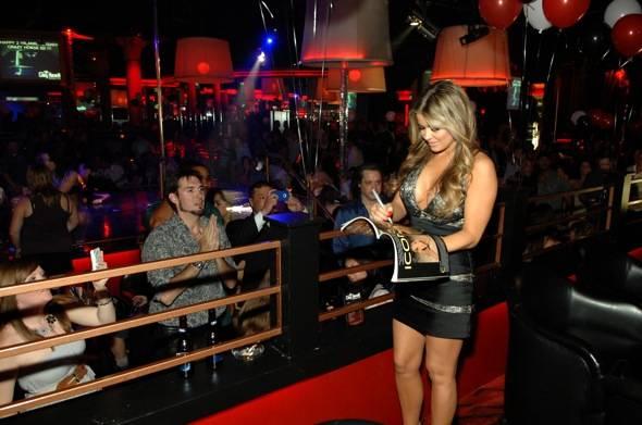 Carmen Electra signing autographs