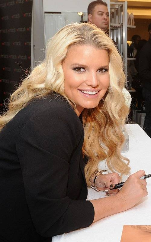 Jessica Simpson Celebrates Launch of Ready-To-Wear Collection at Macys Union Square