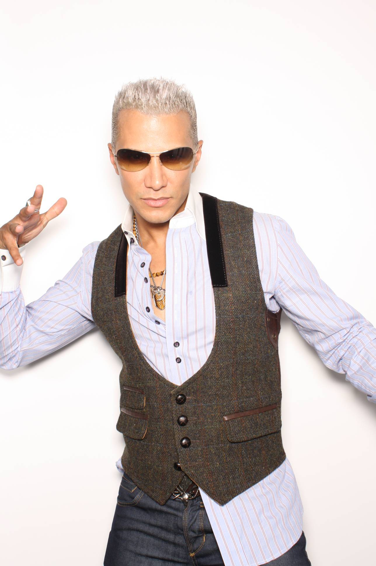 Stylist Jay Manuel Shares His Fall Fashion Trends With Haute Living: All About The Half-Tuck & 70s Luxury