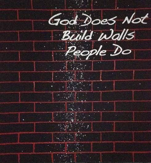 GOD DOES NOT BUILD WALLS BLACK