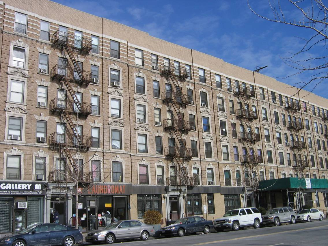 Harlem_135_street_buildings