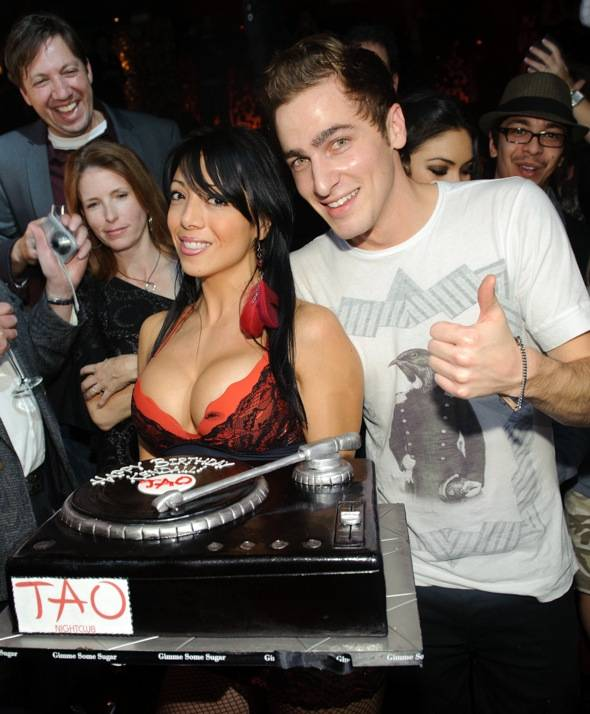 Haute Event: Kendall Schmidt Turns 21 at Tao