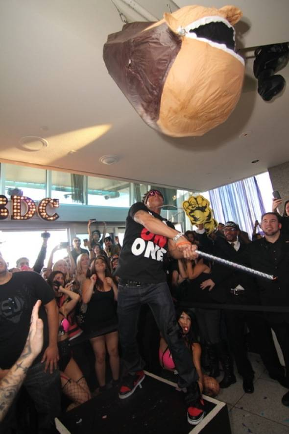 Haute Event: Pauly D Spins at GBDC and Evander Holyfield Dines at Simon Post Fight