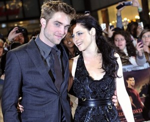 Twilight's Kristen Stewart and Robert Pattinson Nestle in Notting Hill