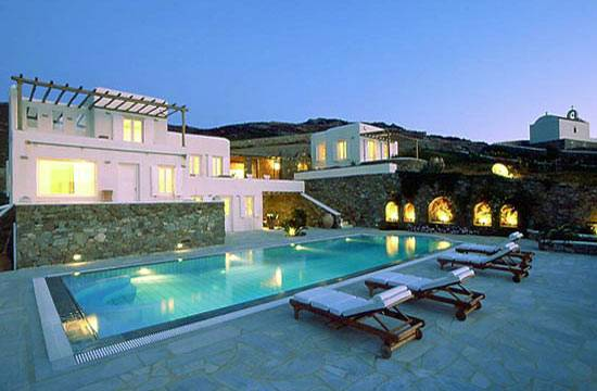 Find Serenity at Villa Galaxy in Greece