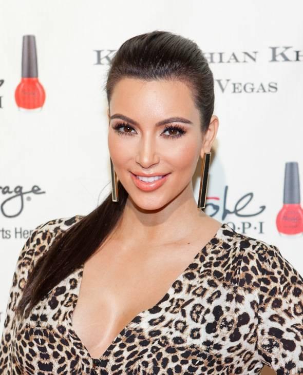 12_15_11_kardashian_khaos_KABIK-405-2
