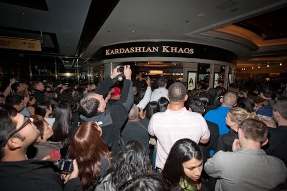 12_15_11_kardashian_khaos_KABIK-457