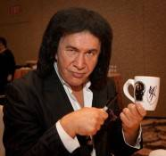 Gene Simmons stopped in Vegas to inspire employees at the annual Weldbend /IPD Breakfast at the Bellagio.