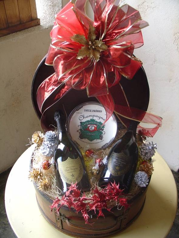 Holiday Dining: Wine Gift Baskets and New Year's Eve at Marche Bacchus