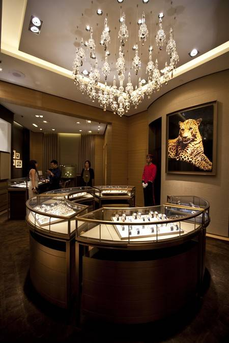 Cartier Opens Revamped Boutique in Singapore