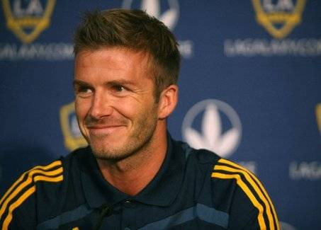 L.A. Galaxy Confirms David Beckham Re-Signs Contract