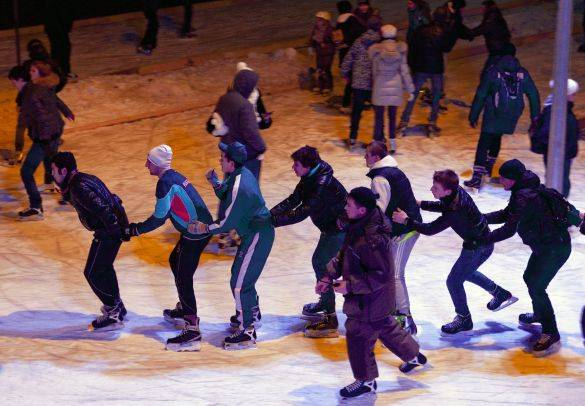 Moscow's Gorky Park Ice Rink Attracts Thousands