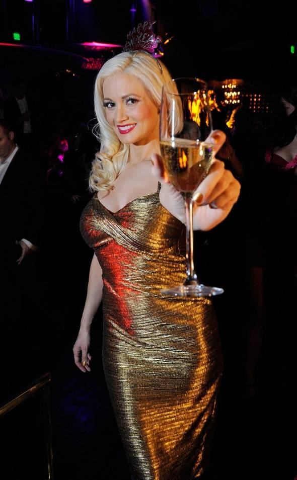 Haute Event: Holly Madison Rings in the New Year at Gallery Nightclub