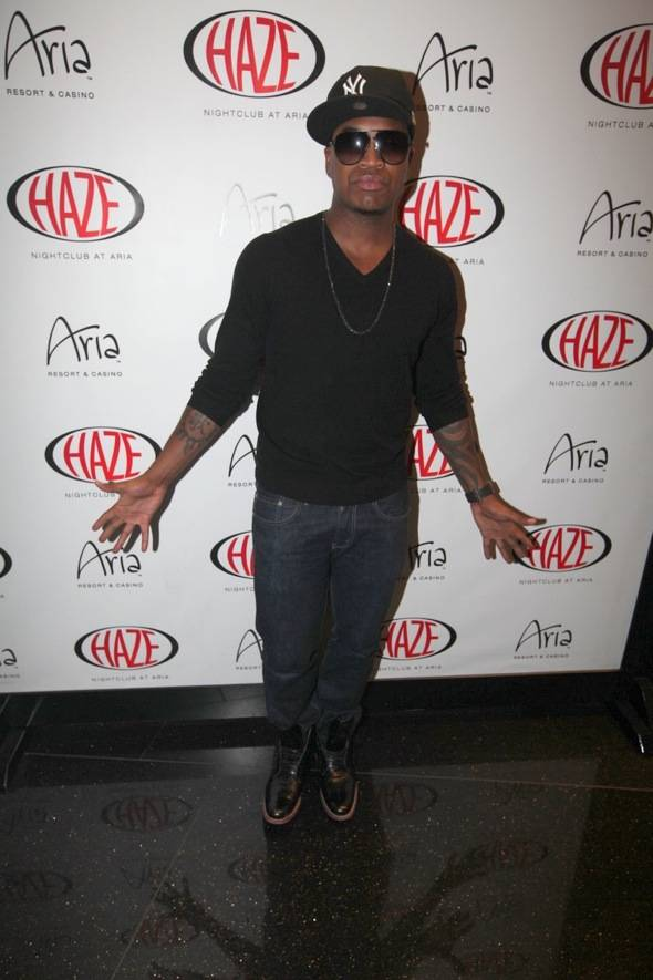 Haute Event: Ne-Yo Performs at Haze Nightclub