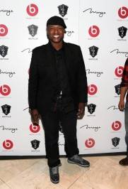 Javier Colon on the red carpet at 1OAK.