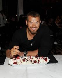 Kellan Lutz with a Red Velvet Ice Cream Sundae at Sugar Factory American Brasserie at Paris Las Vegas.