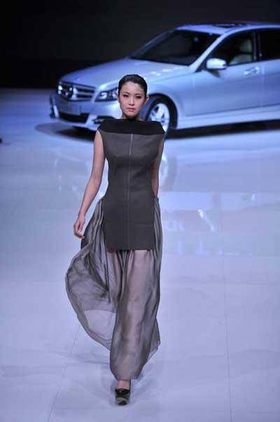 Young Fashion Award Winner Wang Yutao Wows China Fashion Week