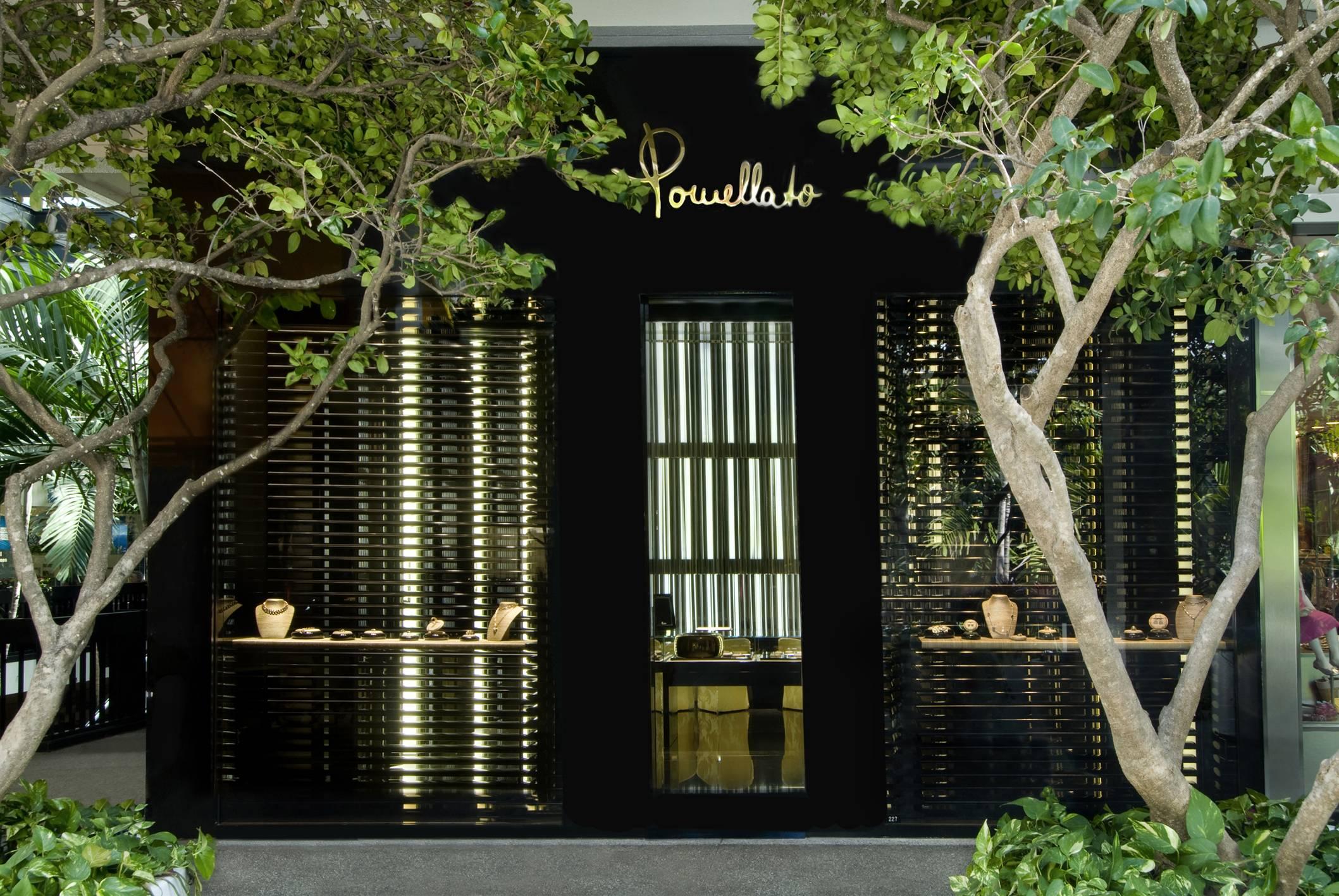 Haute Living Magazine and Pomellato Celebrate Ten Years of Nudo at Bal Harbour Shops