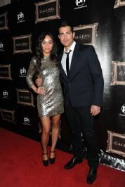 Jesse Metcalfe and Cara Santana on red carpet.