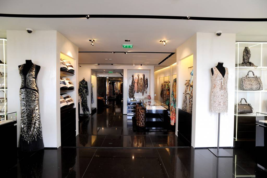 Visit Last Call for gorgeous designer handbags, beautiful designer dresses and designer shoes from fashion's top names.