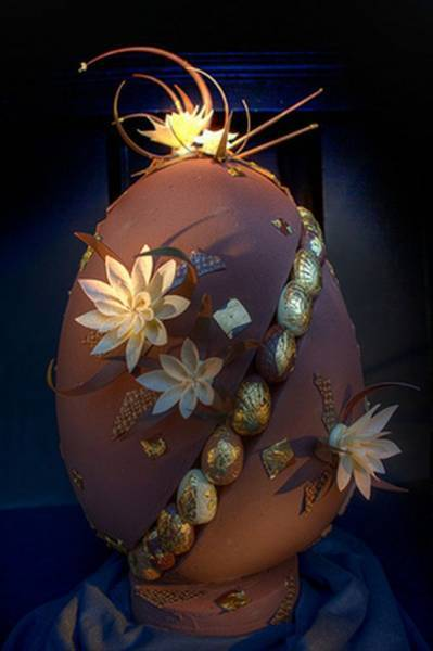 Most Expensive Non-Jeweled Chocolate Egg Created By William Curley Auctioned For $10,000